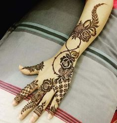 We bring you this curated list of new and trendy arabic mehendi designs that is sure to brim you with inspiration. These latest mehndi patterns are sure to make you grab all the attention at any event you attend so, be ready to stay in the spotlight. Latest Arabic Mehndi Designs, Modern Mehndi Designs, Mehndi Design Pictures, Mehndi Designs For Fingers, Beautiful Mehndi Design, Mehandi Designs, Mehndi Images, Dubai Mehendi Designs, Tattoo Designs