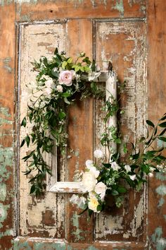 Wooden Frame with Vines and Pink Roses is part of Wreath wall decor - Need wedding ideas Check out this wooden frame with vines and pink roses and see more inspirational photos on TheKnot com Picture Frame Wreath, Picture Frames, Shabby Chic Garden Decor, Frame Crafts, Diy Crafts, Flower Frame, Frame With Flowers, Fall Wreaths, Summer Wreath