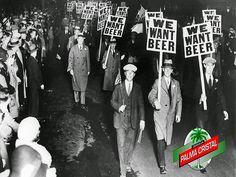 CERVEZA PALMA CRISTAL TE DICE ¿Cuántas cervecerías sobrevivieron a la ley seca de Estados Unidos? En el año de 1880 habían más de 2,300 fábricas de cerveza en Estados Unidos pero en 1934 sólo quedaron 160 fábricas. Hoy en día hay más de 3000 en todo el país. www.cervezasdecuba.com