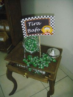 """Balas de menta para tirar o """"bafo"""" Aloha Party, Fiesta Party, Diy And Crafts, Crafts For Kids, Beer Fest, Happy Party, Its My Bday, Holidays And Events, Open House"""