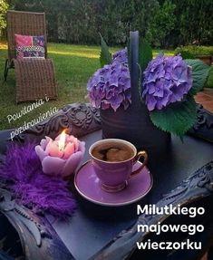 Caffeine Legumes, Soil Gourmet coffee, Flavoured and Espresso I Love Coffee, Best Coffee, My Coffee, Good Morning Coffee, Coffee Break, Coffee Cafe, Coffee Drinks, Coffee Photography, Turkish Coffee