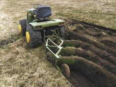 Articulated Garden Tractor Can Pull 3 Bottom Plow Small Garden Tractor, Garden Tractor Pulling, Small City Garden, John Deere Garden Tractors, Yard Tractors, Small Tractors, Garden Tractor Attachments, Homemade Tractor, Farm Show