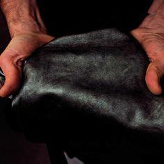 La DMD SOLOFRA SPA è un'industria conciaria che realizza pellami ovini e caprini per calzature, pelletteria ed abbigliamento per la fascia Media Alta e Alta.