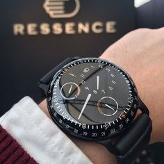 – – [pin_pinter_full_name] Ressence Type 3 watch. High End Watches, Best Watches For Men, Amazing Watches, Luxury Watches For Men, Beautiful Watches, Cool Watches, Rolex Watches, Style Masculin, Watches Photography