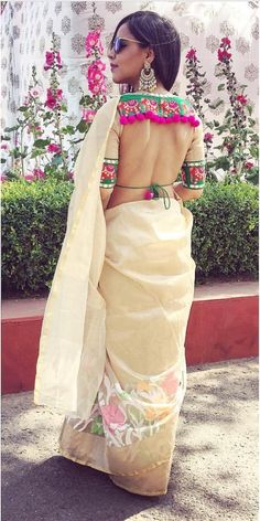 Interesting open back saree blouse concept - good idea for Indian wedding guest who wants a modern Indian wedding look! Beautiful Blouses, Lehenga Blouse Designs Back, Wedding Saree Blouse Designs, Blouse Back Neck Designs, Choli Blouse Design, Wedding Sarees, Indian Outfits Modern, Indian Fashion Modern, Indian Fashion Designers