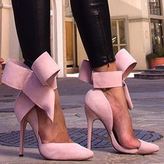 Arrrrggh- I adore the oversized bow on these Manolo Blahnik Pumps! Stilettos, Pumps Heels, Shoes Sandals, Suede Heels, Cheap Sandals, Slipper Sandals, Red Pumps, Women's Sandals, Ballet Flats