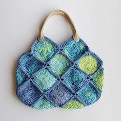 Crochet yourself a little cute bag.