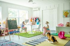 Nice open space idea for the kids' playroom.