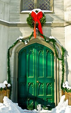 I saw this door at a church. This church is at a local park. I liked the green door, the wreath and the snow. Merry Christmas and Happy Holidays to everyone! Cool Doors, The Doors, Unique Doors, Windows And Doors, Front Doors, Portal, When One Door Closes, Christmas Door, Merry Christmas