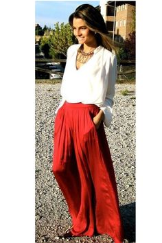 Discover and organize outfit ideas for your clothes. Decide your daily outfit with your wardrobe clothes, and discover the most inspiring personal style Street Style, Cool Street Fashion, Look Fashion, Fashion Beauty, Fashion Models, Fashion 2015, Skirt Fashion, Fashion News, Fashion Design