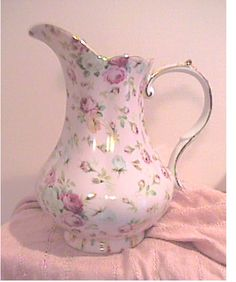 Pink Rose Pitcher ♥♥ Oh, I would love to add this to my small collection of pitchers!