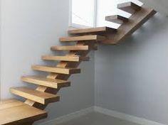 Resultado de imagem para portões madeira escadas internas