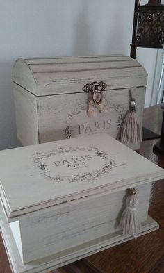 Diy Furniture Farmhouse Shabby Chic - New ideas Diy Furniture Projects, Furniture Makeover, Furniture Design, Vintage Shabby Chic, Shabby Chic Decor, Shabby Chic Boxes, Colorful Furniture, Painted Furniture, Decoupage Furniture