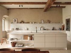 Interior Design Trends, Home Design, Salon Design, Deco Design, European Kitchens, Home Kitchens, Copenhagen Apartment, Design Scandinavian, Minimal Apartment