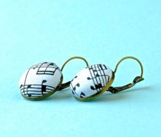 These are the best gift ever for a musician or music teacher! Quirky earrings - Music note earrings - Leverback earrings - Mismatched earrings - Fabric button earrings - Gift for music lover Button Earrings, Stud Earrings, Lego Jewelry, Cool Gifts For Teens, Teenage Girl Gifts, Rosie The Riveter, Gift For Music Lover, Rockabilly Fashion, Vintage Love
