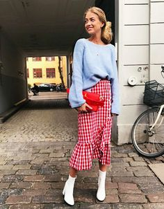 Five of the best spring weekend outfit ideas we've seen on Instagram this week from our favourite bloggers. Shop the looks here.