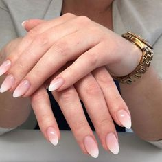 Cute Nails, Pretty Nails, My Nails, French Nails, Design Ongles Courts, Nagellack Design, Almond Acrylic Nails, Pin On, Oval Nails