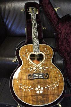 2007 Vine Custom Gibson one of only three made. It's my birthday please! Guitar Pics, Guitar Art, Music Guitar, Cool Guitar, Guitar Room, Ukulele, Violin, Unique Guitars, Custom Guitars