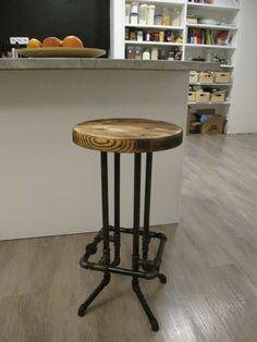 Industriální barová stolička (Pipe bar stool)