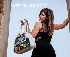 Ba126 Borsa dipinta a mano Sole d'Oriente by Hanùl | Hanul style, Borse in pelle dipinte, accessori e bijoux dipinti a manoHANUL di Giorgino Daniela