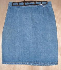 """Georges Marciano for GUESS Denim Skirt Fits to 28""""Waist Size 30 Free Shipping  Price:US $14.99"""