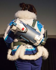 Here's the backpack I made super quick! Hope to update this to even more awesome one day! Halloween Cosplay, Cosplay Costumes, Cosplay Ideas, Costume Ideas, Mei Ling Zhou, Overwatch Mei, Cosplay Weapons, Amazing Cosplay, San Diego Comic Con