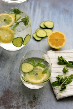 Cucumber, lemon and mint infused water is a refreshing drink that will make you feel like you're having a relaxing spa day. You'll love this beverage if you need incentive to drink more water and want a fun way to stay hydrated. Cucumber Infused Water, Mint Lemonade, Spa Water, Fresh Mint Leaves, Beef Recipes, Cooking Recipes, Stay Hydrated, Delicious Fruit, Nutrition Information