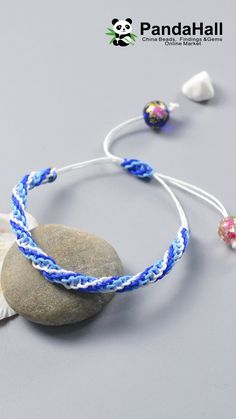 Tutorial on Ocean Style Braided Bracelet tutorial videos Diy Crafts Jewelry, Diy Crafts For Gifts, Bracelet Crafts, Diy Bracelet Designs, Diy Jewelry Videos, Beaded Crafts, Macrame Bracelet Patterns, Diy Friendship Bracelets Patterns, Chevron Bracelet