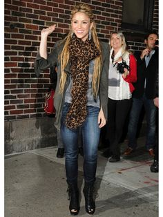 Cool & Casual: Shakira