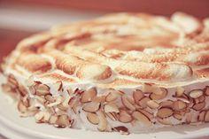 Genoise Cake with Boysenberry Filling and Italian Meringue, a DIY Dessert event Genoise Cake, Torte Cake, Chocolate Meringue, Meringue Cake, Breakfast Dessert, Dessert For Dinner, Cake Recipes, Dessert Recipes, Desserts