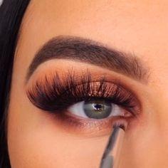 Black Smokey Eye Makeup, Bronze Eye Makeup, Dramatic Eye Makeup, Eye Makeup Steps, Eye Makeup Art, Natural Eye Makeup, Plum Makeup, Bronze Smokey Eye, Makeup Eyes