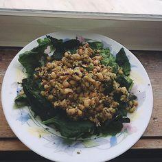 Lunch check ✅ Salada de alface e espinafre + Feijão fradinho, ervilha e as fantásticas sementes de linhaça e cânhamo  #veganfoodshare #vegan #veganlifestyle #veganism #veganlunch #healthyfood #protein #veganlove #veganfoodporn #veganfoodlovers  Yummery - best recipes. Follow Us! #veganfoodporn
