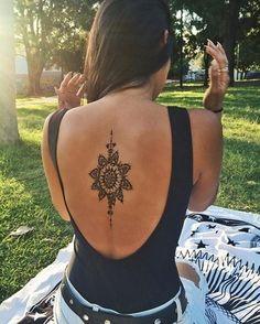 simbolos hindues para tatuajes en la espalda