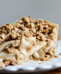 Cider Boubon Apple Pie with Oatmeal Cookie Crumble {howsweeteats.com}  ...I am drooling all over my keyboard right now.