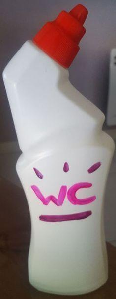 Dernière recette de la soirée! Après avoir fini mon gel WC j'ai récupéré le contenant (canard WC car l'embout verseur s'enlève). Ultra simple et ludique à réaliser et vraiment eff…