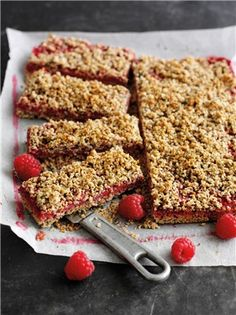 Boost your recovery rate after a intense training session with these tasty homemade oat bars