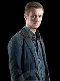 oliver wood - Google Search Sean Biggerstaff, Oliver Wood, Harry Potter Books, Deathly Hallows, To My Future Husband, Pretty Face, Hogwarts, Mens Tops, Geek