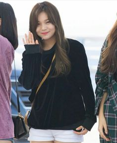 GFriend - Umji  : @ Incheon Airport Departing To Indonesia For Music Bank World Tour Jakarta
