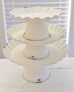 Vintage Cottage Cake Stand Decorating Ideas