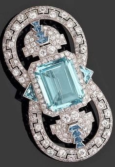 An important Art Deco diamond, aquamarine and platinum brooch, by Cartier, circa 1925. #Cartier #ArtDeco #brooch