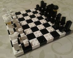 Lego Travel Chess Set: great ideas for chess pieces; just need to figure out case for the board.