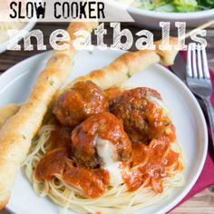 Cheesy Slow Cooker Meatballs, stuffed with warm, gooey, melty, lovely (can you tell I love cheese? Crock Pot Slow Cooker, Crock Pot Cooking, Slow Cooker Recipes, Crockpot Recipes, Cooking Recipes, Beef Dishes, Dishes Recipes, Pasta Recipes, Instant Pot
