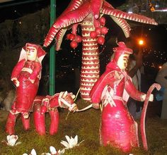 Noche de los rábanos es cuando esculpir mexicanos rábanos.