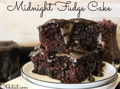 ~Midnight Fudge Cake! Cupcakes, Cake Cookies, Cookies Et Biscuits, Cupcake Cakes, Just Desserts, Delicious Desserts, Yummy Food, Chocolate Fudge Cake, Chocolate Recipes