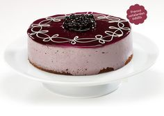 chocolate genoise cake, blueberry special mousse with peach pieces Genoise Cake, Pie Decoration, Decorations, Blueberry Cake, Mousse, Panna Cotta, Cake Decorating, Cheesecake, Pudding