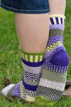 Orchid Crew Socks - Part of Solmate's Vermont Garden Series these cheerfully bright cotton crew socks include bamboo green, cream, purple and lilac.