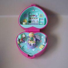 Vintage Polly Pocket Bath Time Case with bathtub. Vintage 80's - 90's