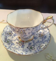 Royal Albert Teacup and saucer set by VintageSowles on Etsy