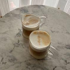 Coffee, beige tones, moodboard, me time, coffee o'clock Aesthetic Coffee, Aesthetic Food, Brown Aesthetic, Monday Coffee, Caffeine Addiction, Coffee Photography, Me Time, Coffee Break, Coffee Shop