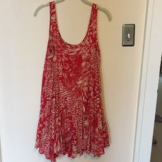 """Free People Midi Dress So perfect for vacation and summer. Hits just at the knee. I am 5'6"""" so not too short to wear anywhere Free People Dresses Midi"""